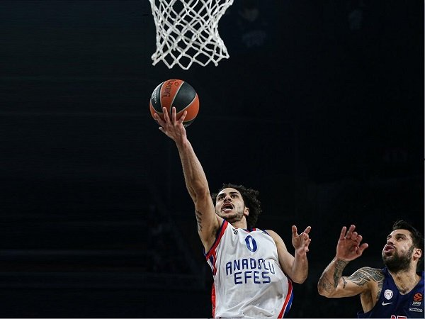 Pebasket Real Madrid Positif COVID-19, Euroleague Tunda Kompetisi