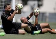 Milan Dilema, Lima Kiper Bersaing Rebut Tiga Posisi di Tim