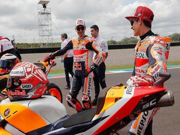 Lorenzo Comeback Mendadak, Marquez Lontarkan Sindiran Keras