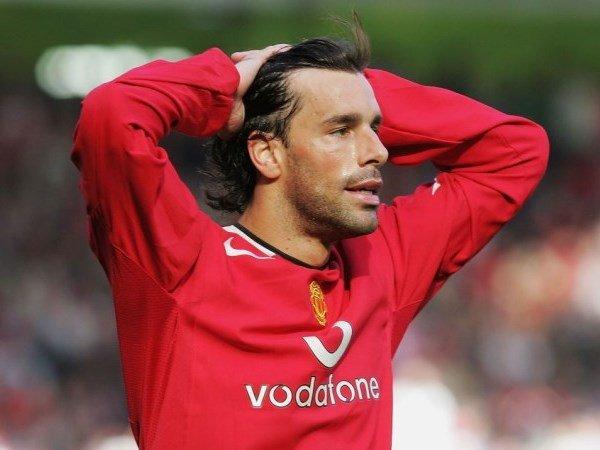 Rio Ferdinand Mengungkap Bagaimana Thierry Henry Bikin Van Nistelrooy 'Sedih' di MU