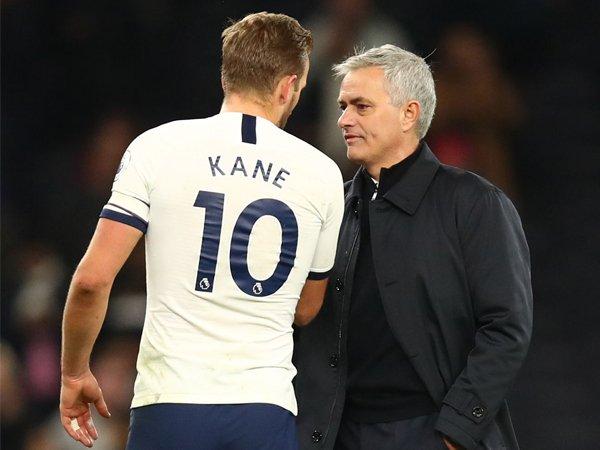 Ferdinand Tak Yakin Mourinho Rela Lepas Kane ke Man United