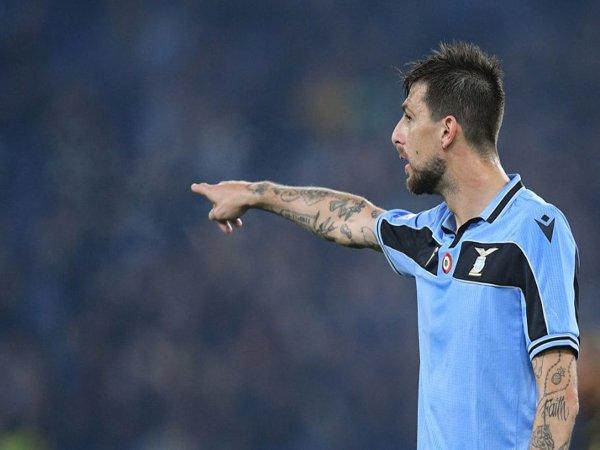 Diincar Inter Milan, Lazio Persiapkan Kontrak Baru Untuk Acerbi