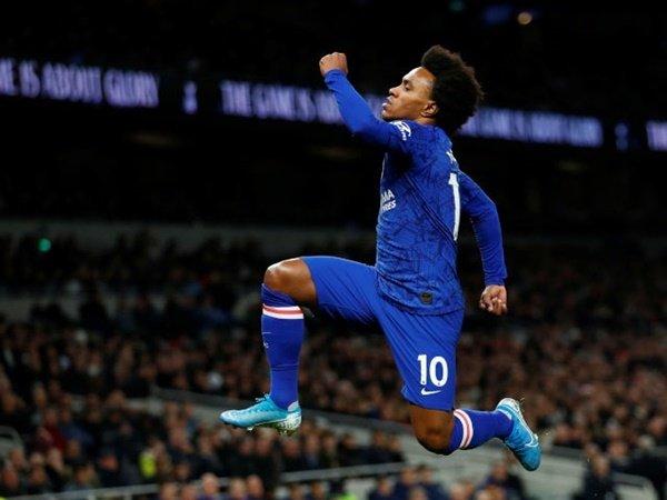 Tottenham Disarankan Rekrut Winger Chelsea, Willian
