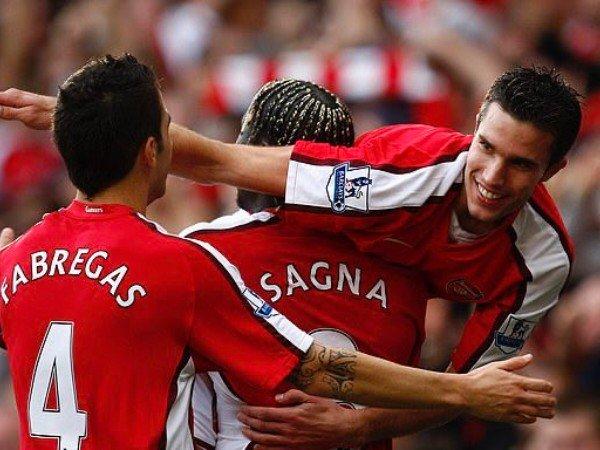 Kepergian Van Persie Jadi Alasan Sagna Tinggalkan Arsenal