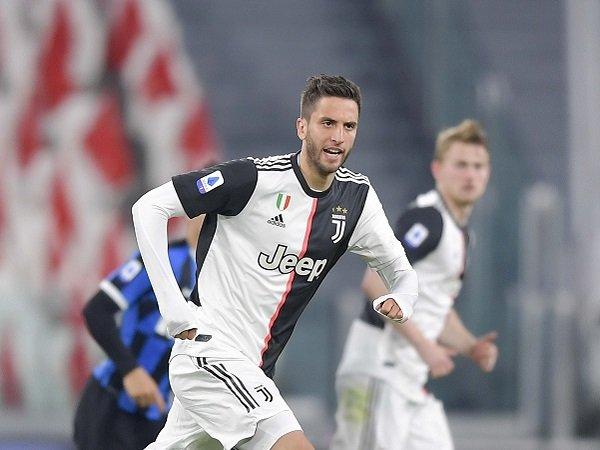 Tampil Gemilang, Bentancur Didukung untuk Gantikan Pjanic di Juventus