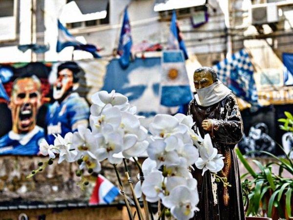 Napoli Donasikan 32 Ton Makanan untuk 1.000 Keluarga Terdampak Virus Corona