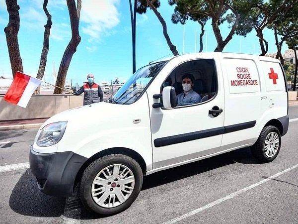 Demi Bantu Warga di Tengah Covid-19, Leclerc Ikut Aksi Sosial Jadi Sopir Pengantar Makanan
