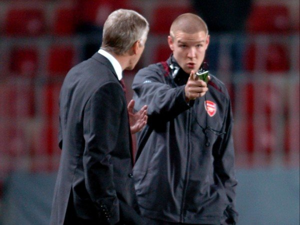 Kisah Philippe Senderos, Tolak Manchester United dan Bayern Munich Hanya Demi Arsenal