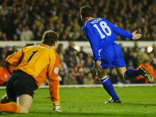 Kilas Balik: Ketika Jens Lehmann Salahkan Bola Nike Setelah Arsenal Disingkirkan Chelsea di UCL 2004
