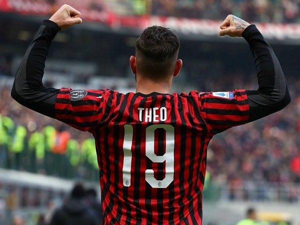 Betah di Milan, Theo Hernandez Kirim Pesan Ke PSG