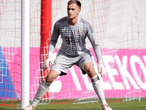 Kiper Penuh Sesak, Bayern Munich Bakal Pinjamkan Christian Fruchtl