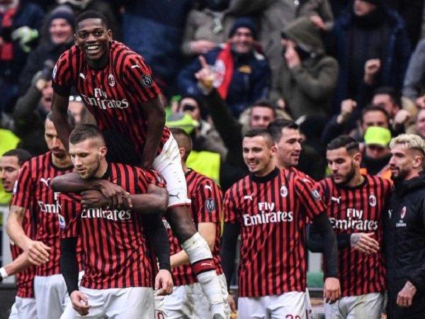 Milan Selangkah Lagi Sepakat Potong Gaji Pemain Selama Pandemi