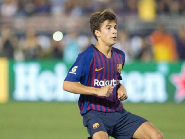 Musim Depan, Barcelona Promosikan Dua Gelandang Muda Jebolan La Masia