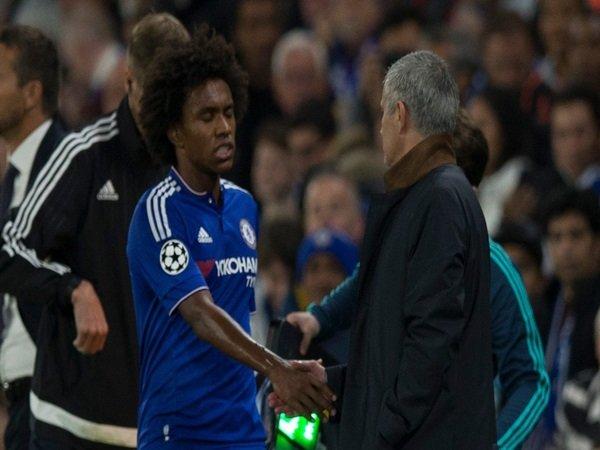 Maih Berhubungan Baik dengan Mourinho, Willian Makin Merapat ke Tottenham?