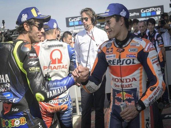 Meski Bersaing Hebat, Marquez Tetap Kagum Dengan Prestasi Gemilang Rossi di MotoGP