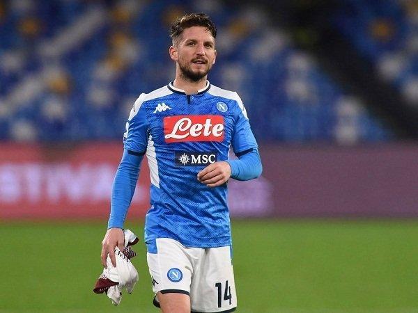 Milan Masih Belum Capai Kesepakatan dengan Bintang Napoli
