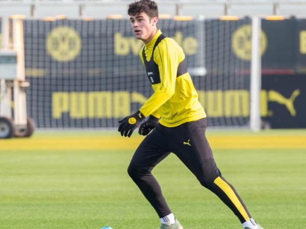 Bintang Dortmund Ini Puji Pulisic yang telah Membuka Jalan Untuknya