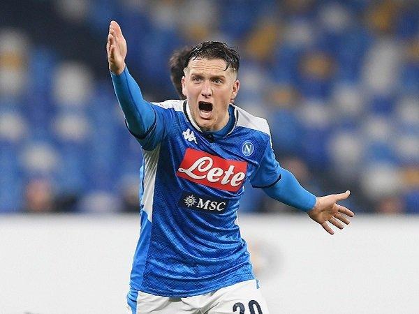 Napoli Segera Perpanjang Kontrak Piotr Zielinski dengan Klausul Rilis