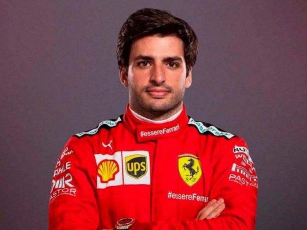 Sainz Lakukan Negosiasi 'Aneh' dengan Ferrari
