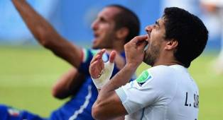 Chiellini Kagumi Luis Suarez Karena Gigitan pada Piala Dunia 2014