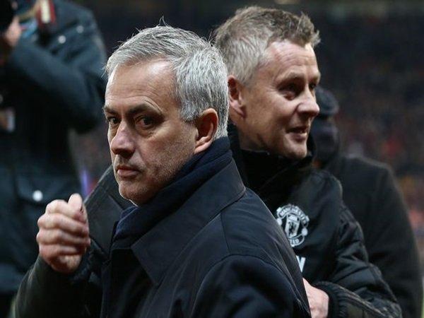 Kembali ke Old Trafford, Mourinho Keluhkan Hal Ini Pada Solskjaer