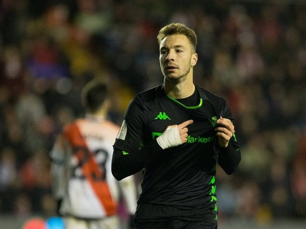Mian Bakal Saingi Dua Klub Ini Demi Servis Striker Real Betis