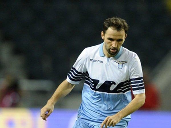 Tersisihkan di Lazio, Milan Badelj Diminati Lokomotiv Moskow