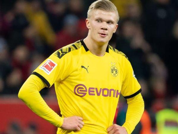 Hargreaves: Bayern Tak akan Datangkan Haaland