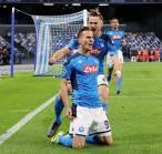 Peringatan Bagi Milan dan Juventus, Napoli Pasang Banderol Mahal untuk Striker Ini