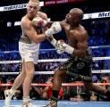 Mayweather ke McGregor: Saya akan Menunggu untuk Menghukum Anda Lagi