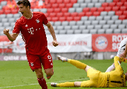 Robert Lewandowski Pecahkan Rekor Aubameyang di Bundesliga