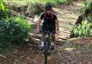 Alasan Andritany Ardhiyasa Pilih Bersepeda Gunung Selama Libur Kompetisi