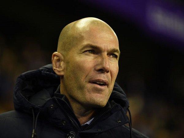 Zidane Tak Ingin Real Madrid Terbuai dengan Keunggulan dari Barcelona