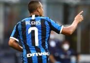 Man United Resmi Perpanjang Masa Pinjam Sanchez dan Smalling