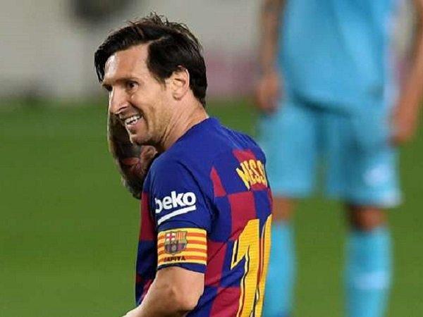 Pelatih Barcelona Tolak Berbicara soal Masa Depan Messi