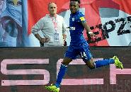 Diamuk Fans Schalke, Matondo Ungkap Motifnya Kenakan Jersey Dortmund