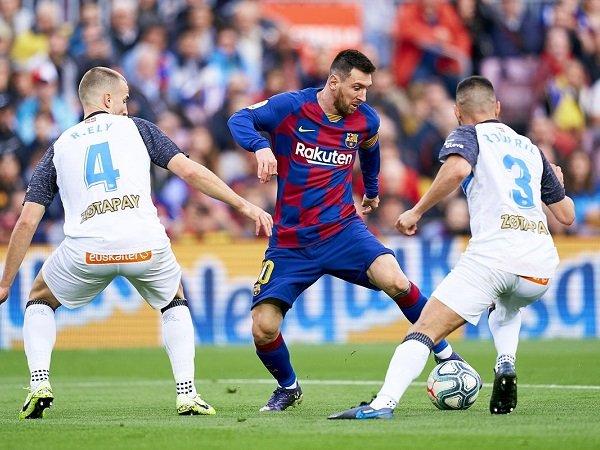 La Liga 2019/2020: Prakiraan Susunan Pemain Alaves Kontra Barcelona