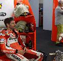 Bos Ducati Tak Tampik Peluang Lorenzo dan Crutchlow Bela Timnya