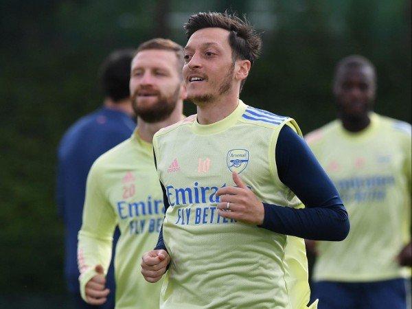 Mikel Arteta Sekarang Ragu dengan Nasib Mesut Ozil di Arsenal