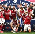 Aubameyang Jatuhkan Trofi Piala FA, Begini Respons Mikel Arteta