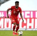 Tak Tertarik Jajal Liga Lain, Davies Ingin Bermain Selama Mungkin di Bundesliga