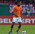 Ajax Untung Besar, Hertha Berlin Sepakat Datangkan Bek Groningen