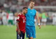 Manuel Neuer Yakin Thiago Alcantara Bertahan di Bayern Munich