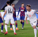 Barcelona Digunduli Bayern Munich, Meme Kocak Bertebaran di Media Sosial