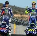 Valentino Rossi Kesal Yamaha Tak Lakoni Tes dengan Lorenzo
