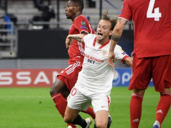 Ivan Rakitic Sebut Manuel Neuer Penting untuk Bayern Munich