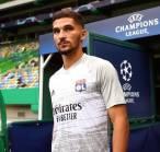 Houssem Aouar Enggan Bahas Rumor Transfer ke Arsenal