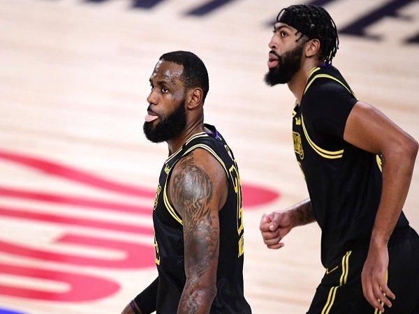 Los Angeles Lakers berhasil ungguli Miami Heat 2-0.
