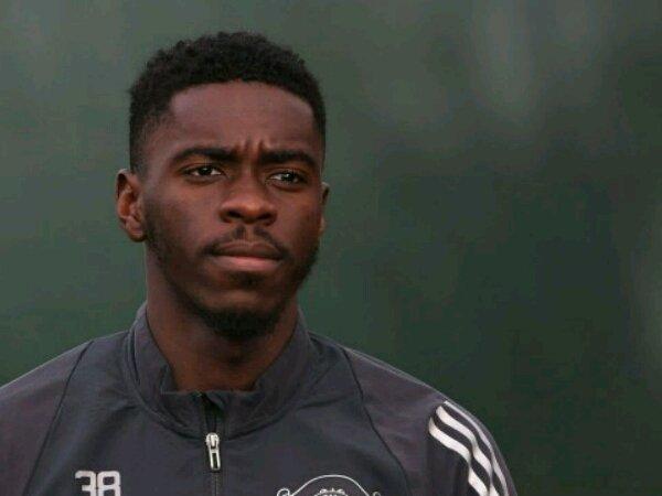 Setelah absen 10 bulan, Axel Tuanzebe akhirnya siap bermain lagi untuk Manchester United