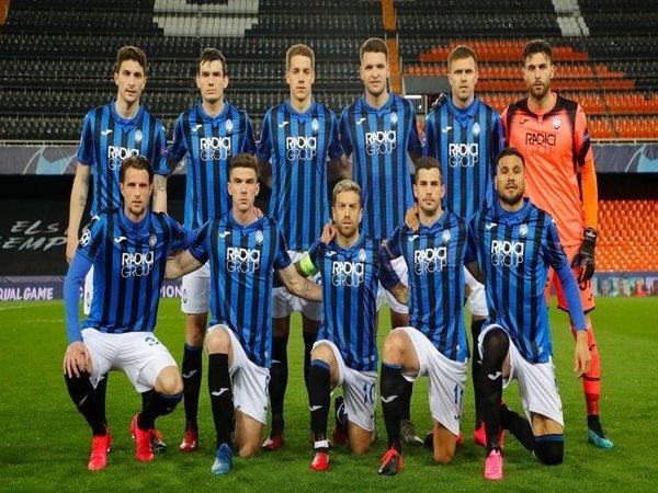 Skuat Atalanta kala berlaga di Liga Champions musim lalu / via Getty Images